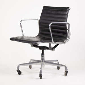 Herman Miller Eames Low Aluminum Group Executive Desk Chairs Black Leather 2006