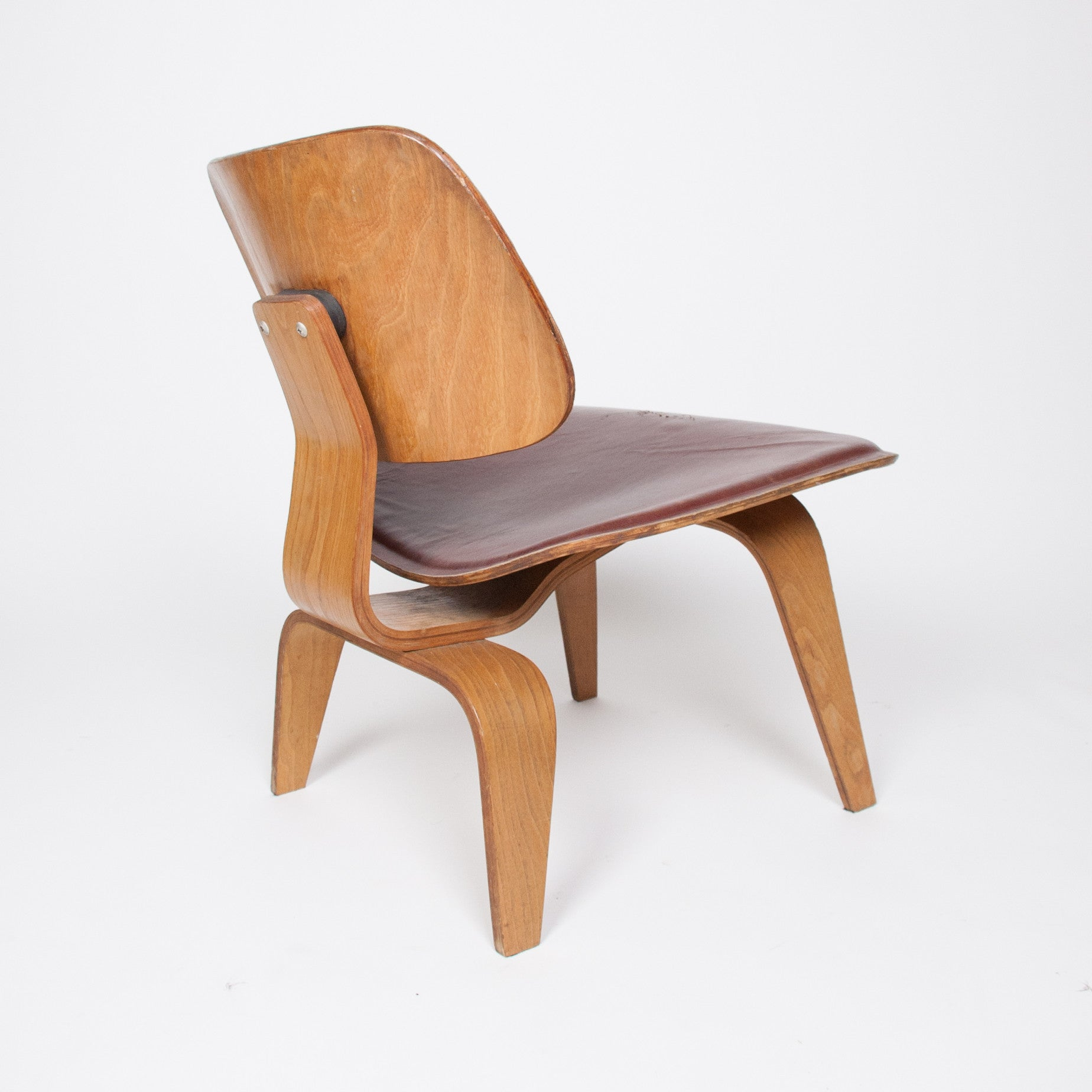 Herman miller plywood lounge chair - Sold Eames Evans Herman Miller 1947 Lcw Plywood Lounge Chair Leather 5 2
