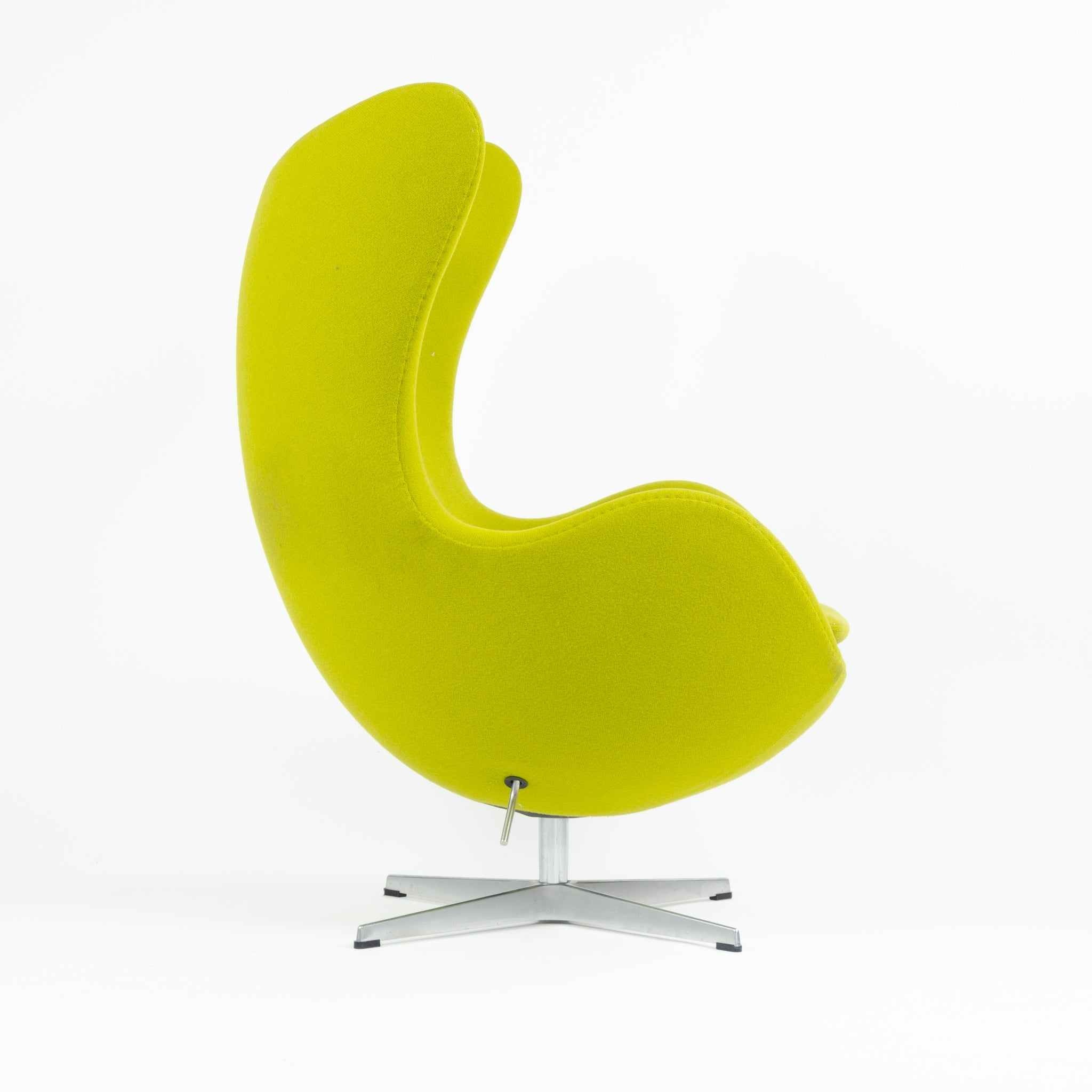 2003 Egg Chair by Arne Jacobsen for Fritz Hansen Original Fabric Denmark Green