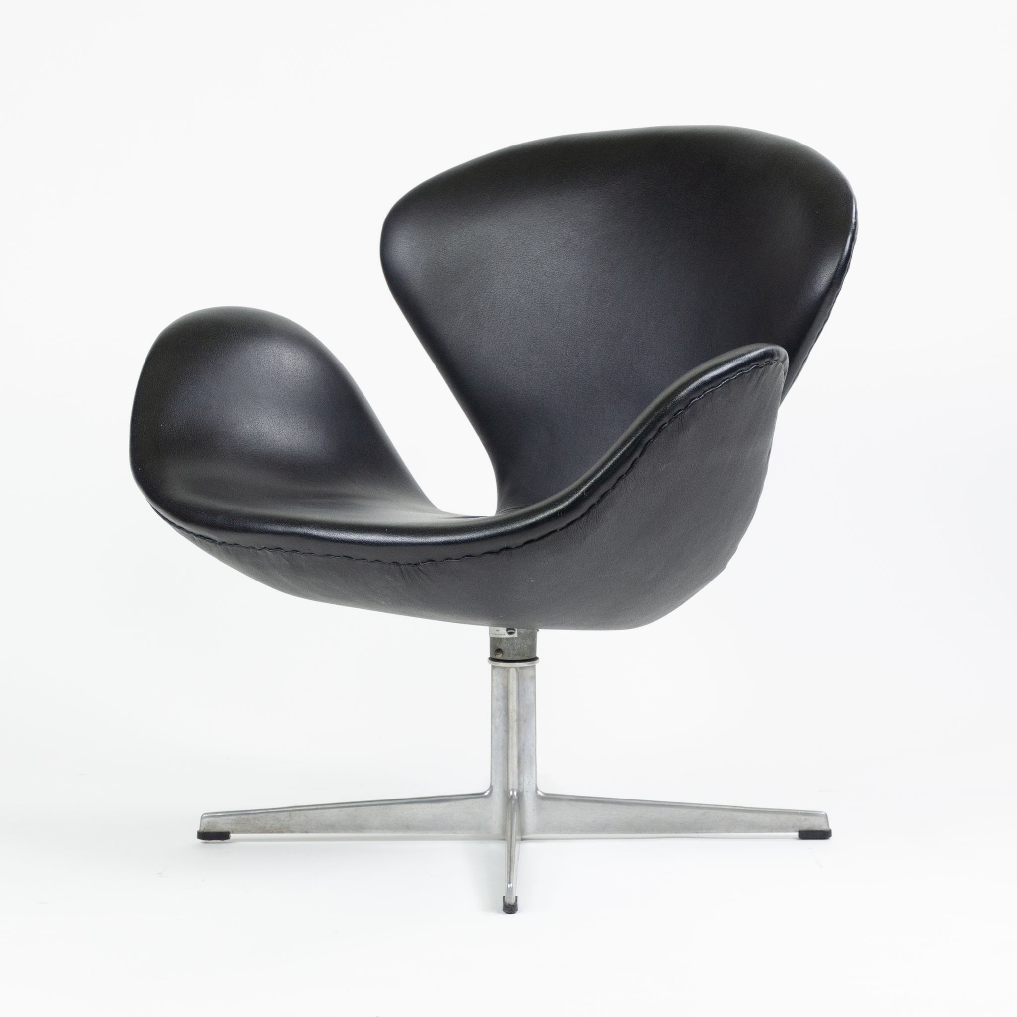 SOLD 1960's Arne Jacobsen Fritz Hansen Denmark Swan Chair Leather Upholstery