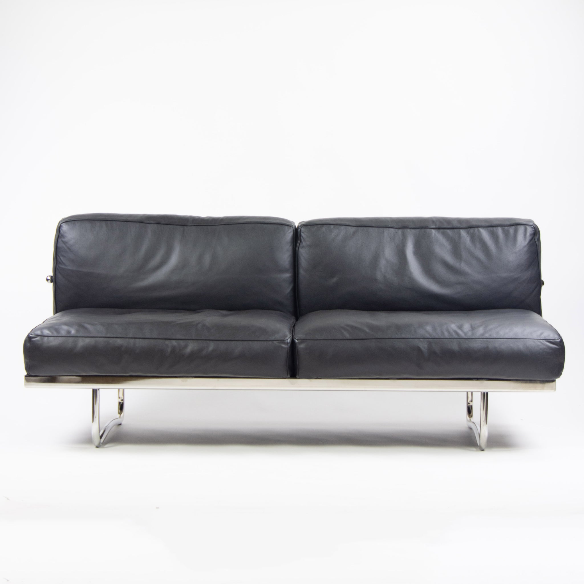 2010\'s Cassina Italy Le Corbusier LC5 Two-Seater Sofa Daybed Black Leather