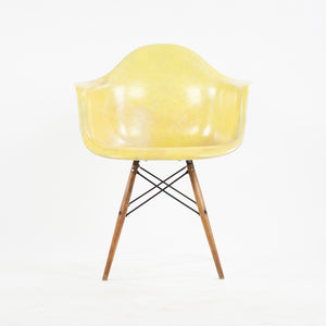 1951 Eames Herman Miller DAW Armshell Fiberglass Chair Rope Edge Zenith Yellow