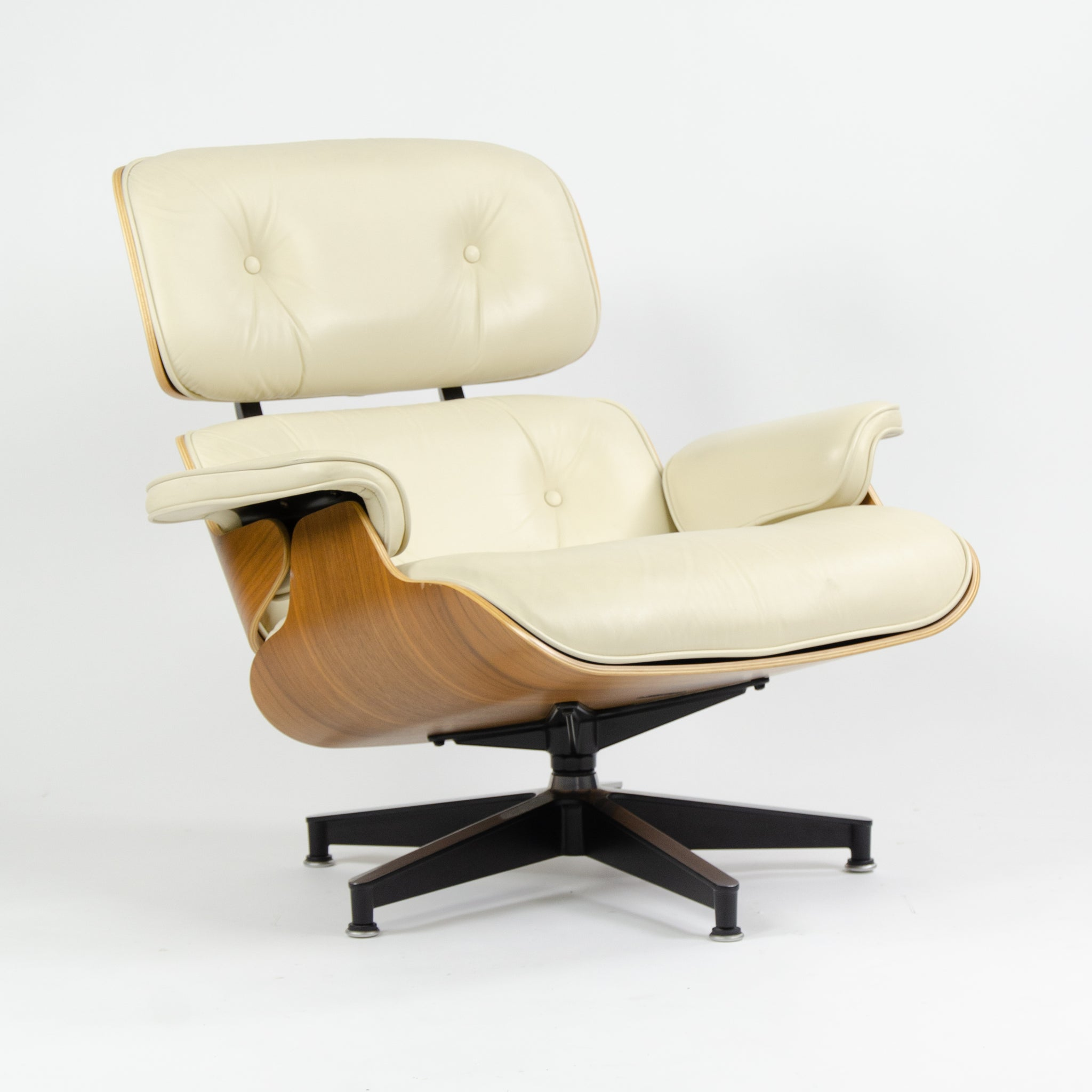 SOLD Herman Miller Eames Lounge Chair & Ottoman Walnut 670 671 Ivory Leather
