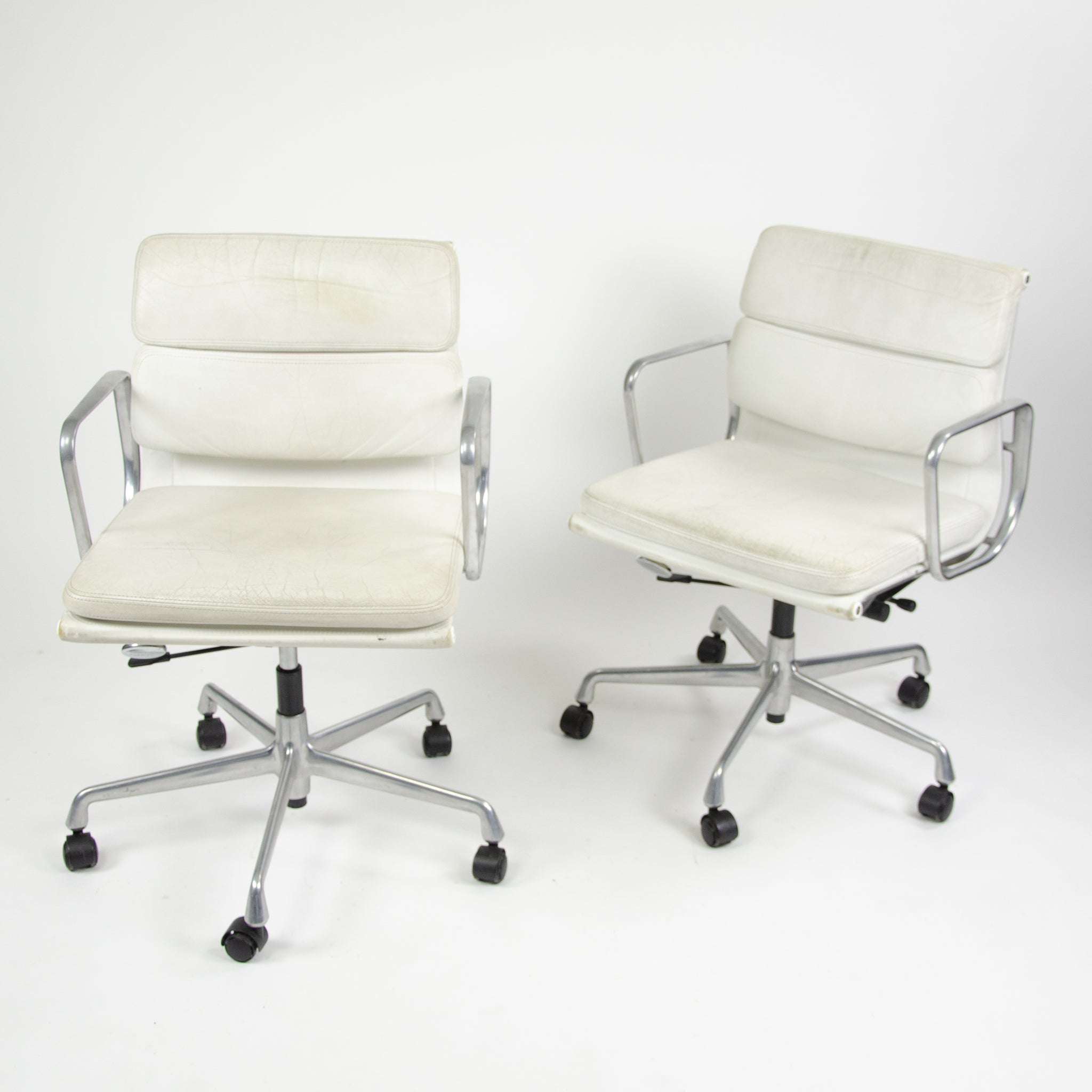 Superb Sold Pair Eames Herman Miller Vitra Soft Pad Aluminum Chairs Machost Co Dining Chair Design Ideas Machostcouk