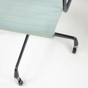 SOLD Herman Miller Eames 1985 Aluminum Group Executive Desk Chair Blue/Gray Fabric 2x