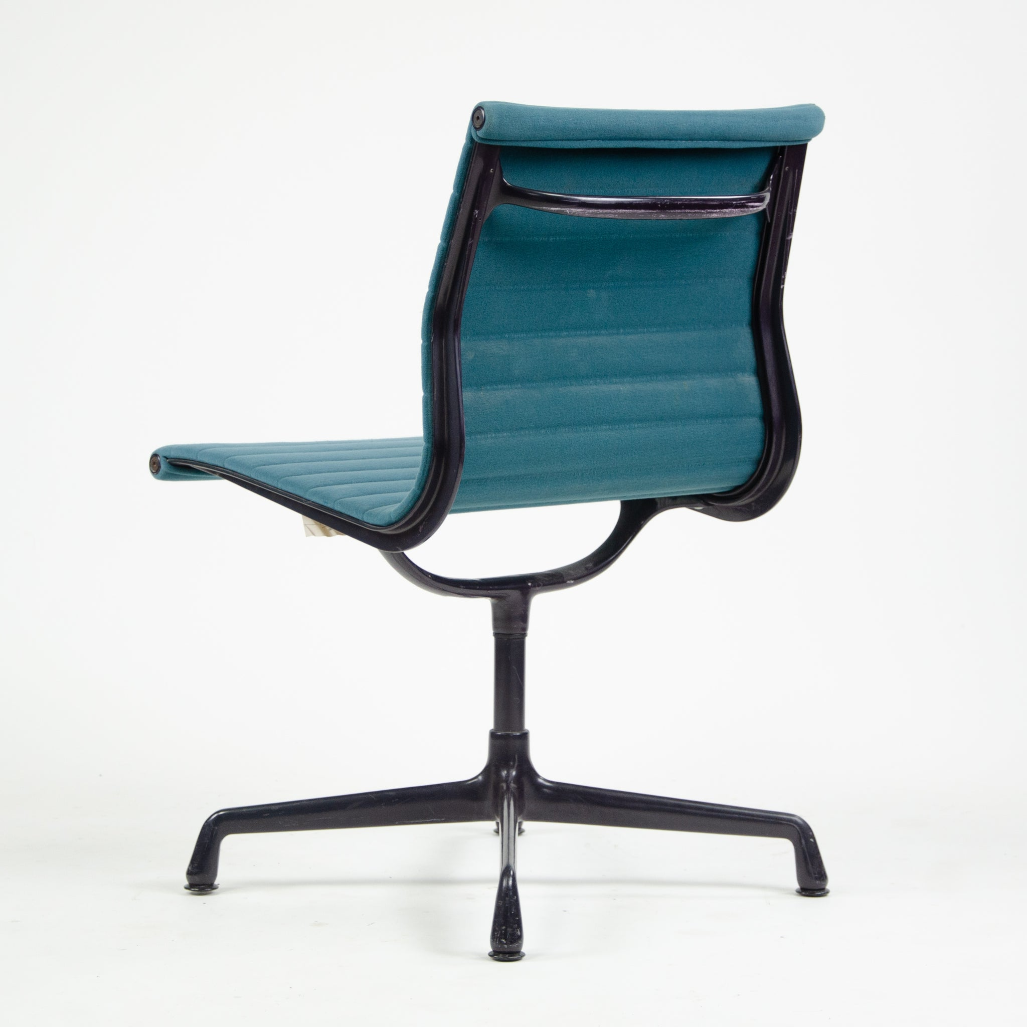 Herman Miller Eames 1985 Aluminum Group Executive Desk Chair Blue Fabric