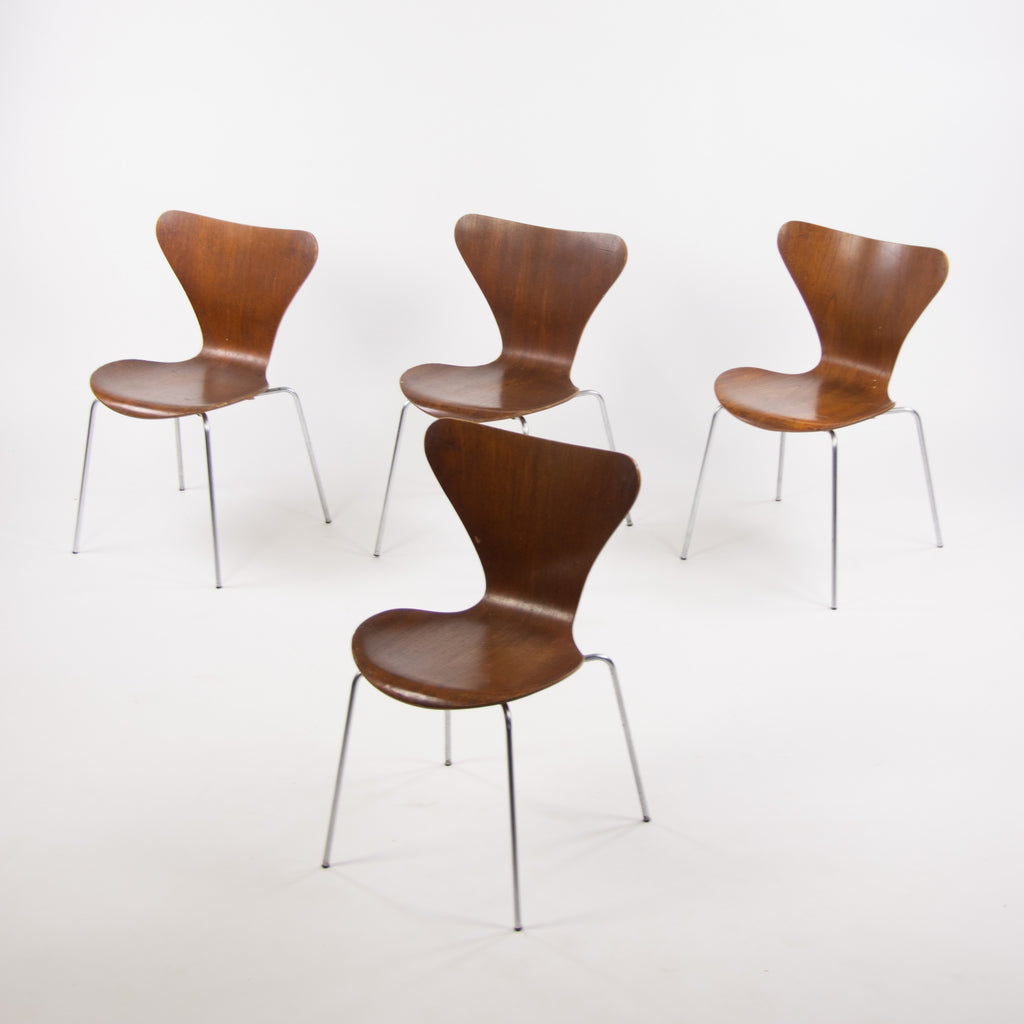 1960's Vintage Fritz Hansen Set of Four Teak Arne Jacobsen Series 7 Dining Chairs Stackable