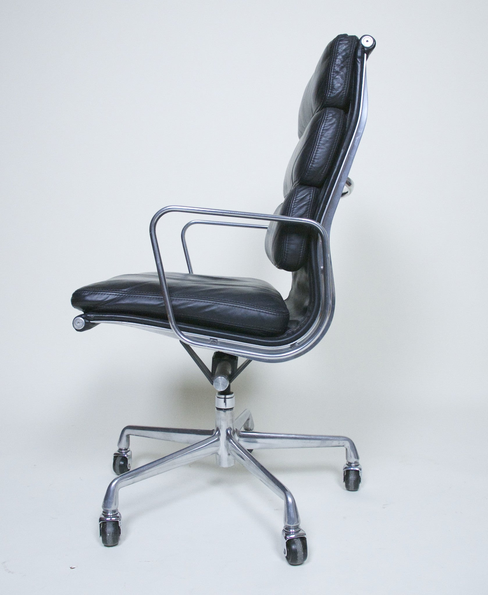 SOLD Eames Herman Miller Soft Pad High Back Aluminum Group Executive Chair