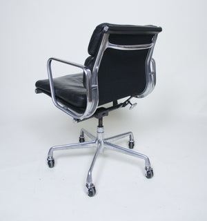SOLD Eames Herman Miller Soft Pad Aluminum Group Chair Black Leather Set Of 4