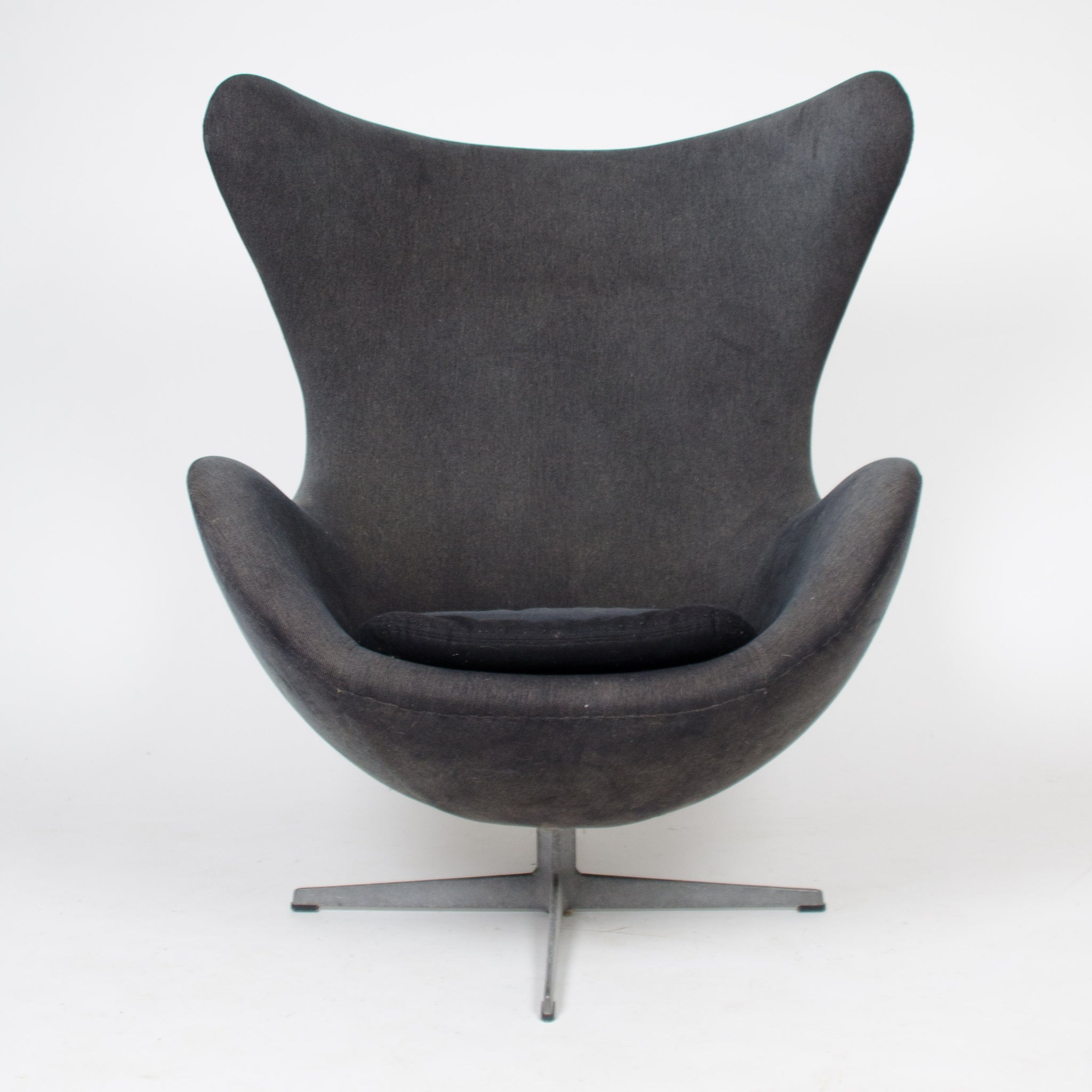 1960u0027s Egg Chairs By Arne Jacobsen For Fritz Hansen Original Vintage  Denmark 1 Available