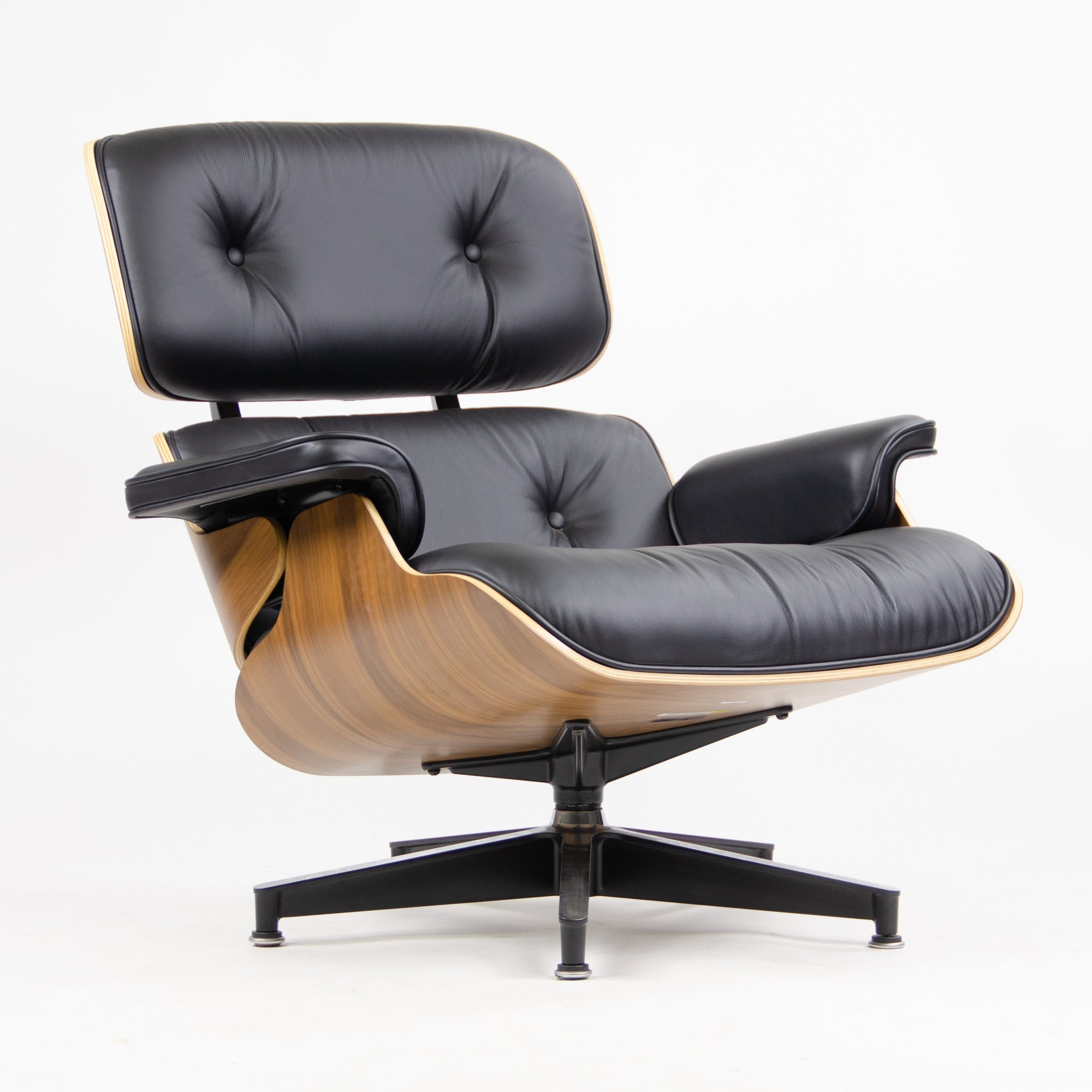 SOLD BRAND NEW 2018 Herman Miller Eames Lounge Chair & Ottoman Walnut 670 671 Black Leather