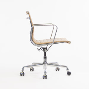 Herman Miller Eames 2008 Low Aluminum Group Management Desk Chair Tan Naugahyde (1x Available)