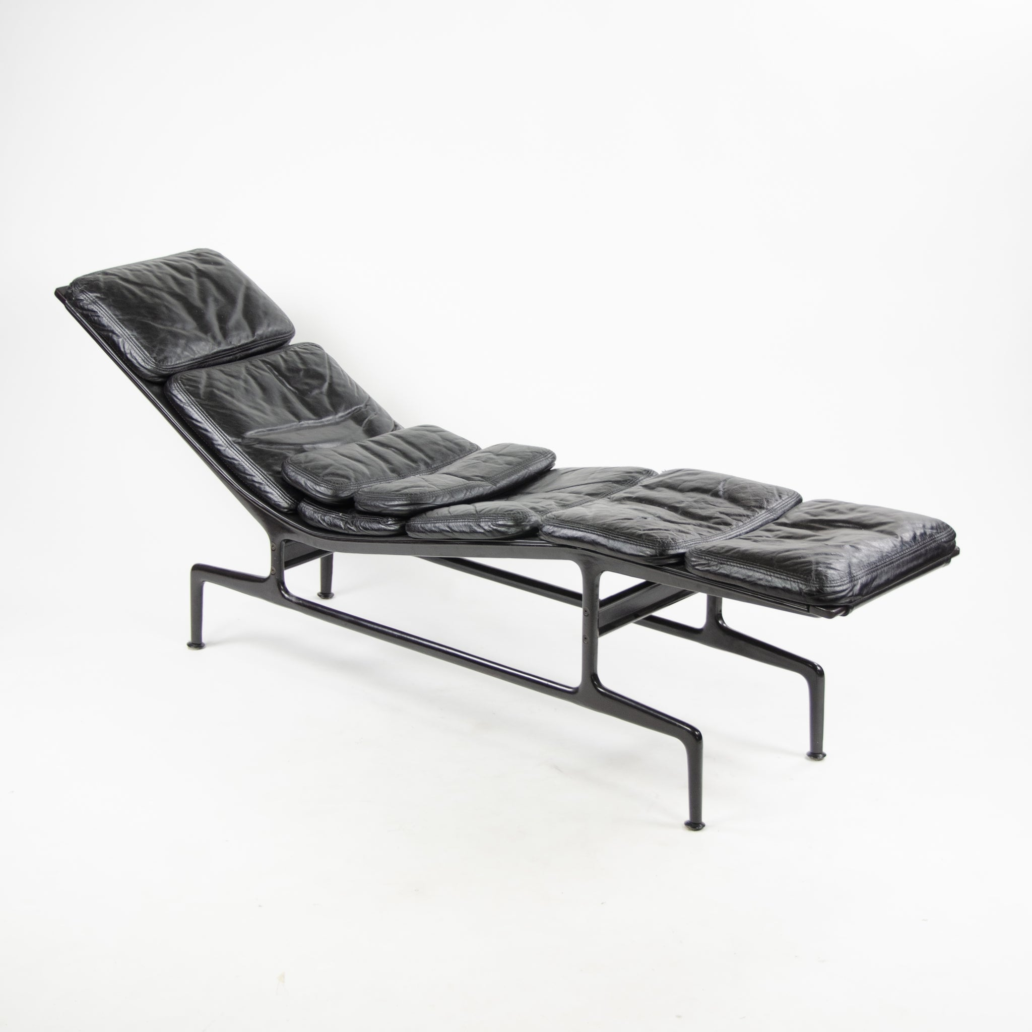 1970's Eames Herman Miller Billy Wilder Black and Eggplant Chaise Lounge Chair