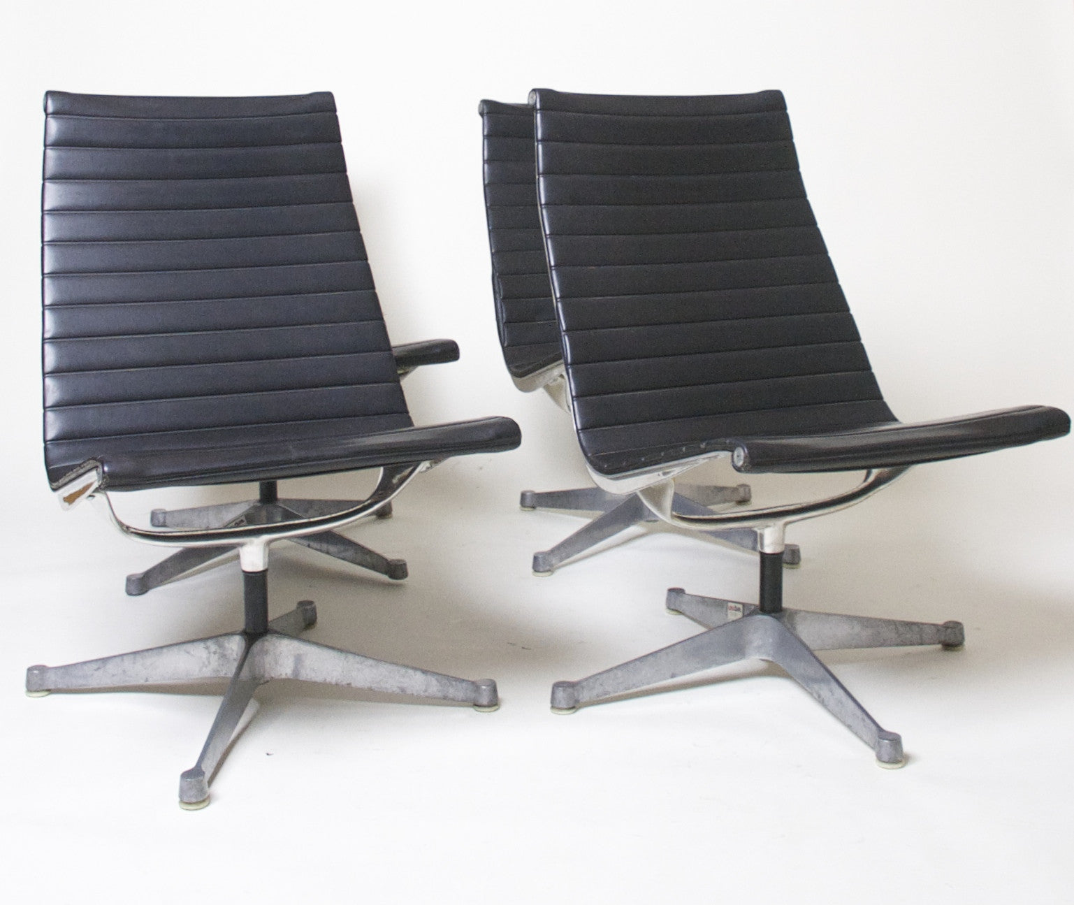 Sold Eames Herman Miller Aluminum Group Lounge Chair Armless