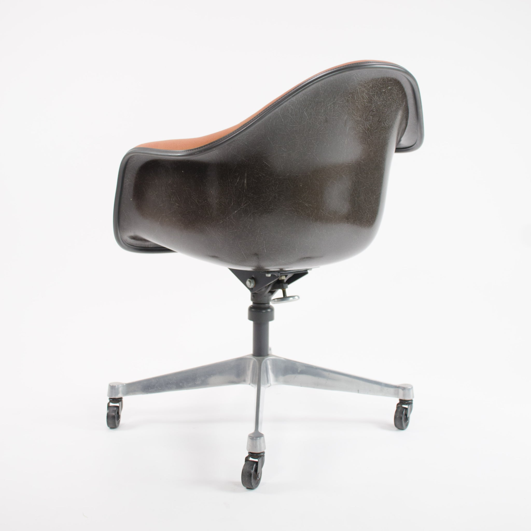SOLD Herman Miller 1981 Eames Red / Black DAT-1 Fiberglass Rolling Desk Chair MINT