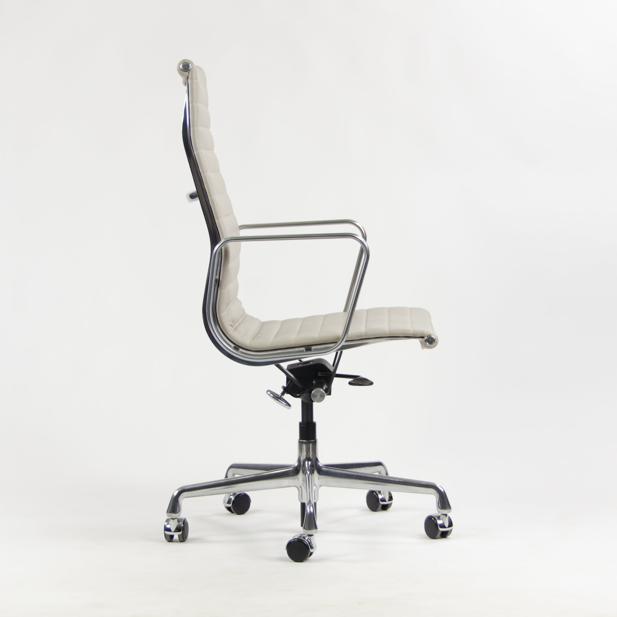 Herman Miller High Executive Aluminum Group Desk Chair Sets Available 2015 Production