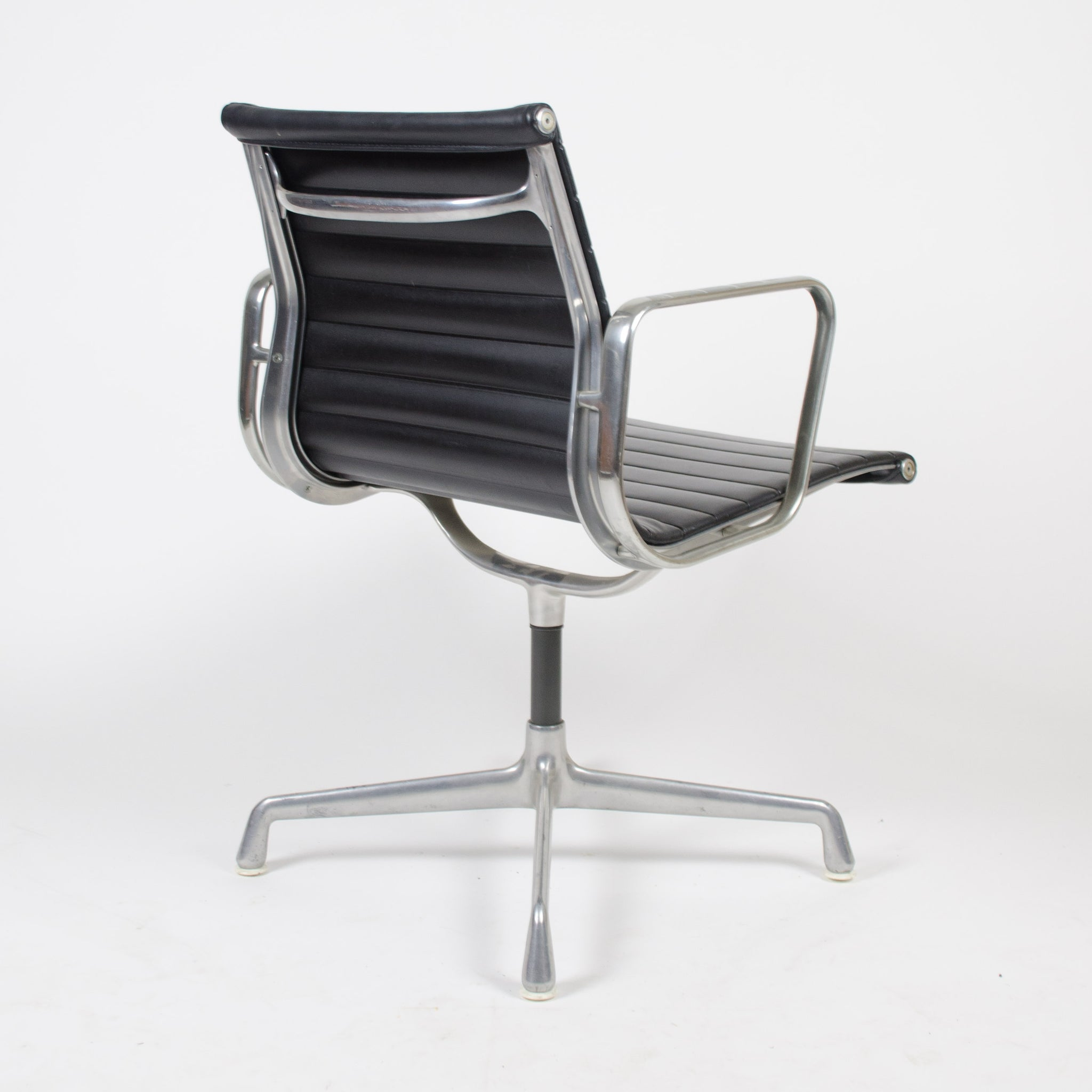 SOLD Herman Miller Eames Aluminum Group Executive Task Chairs Black