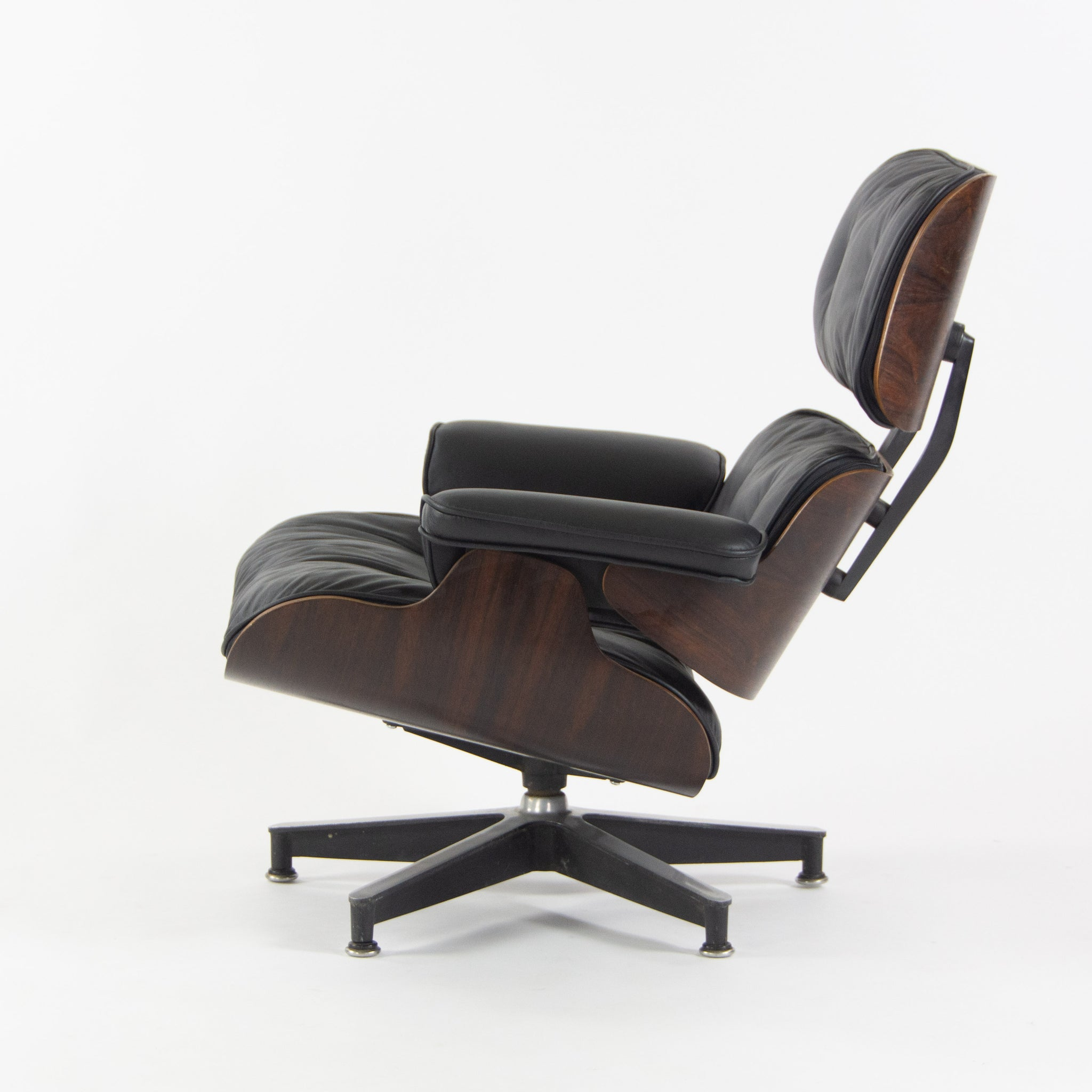 SOLD 1960s Herman Miller Eames Lounge Chair and Ottoman Rosewood 670 671 New Cushions