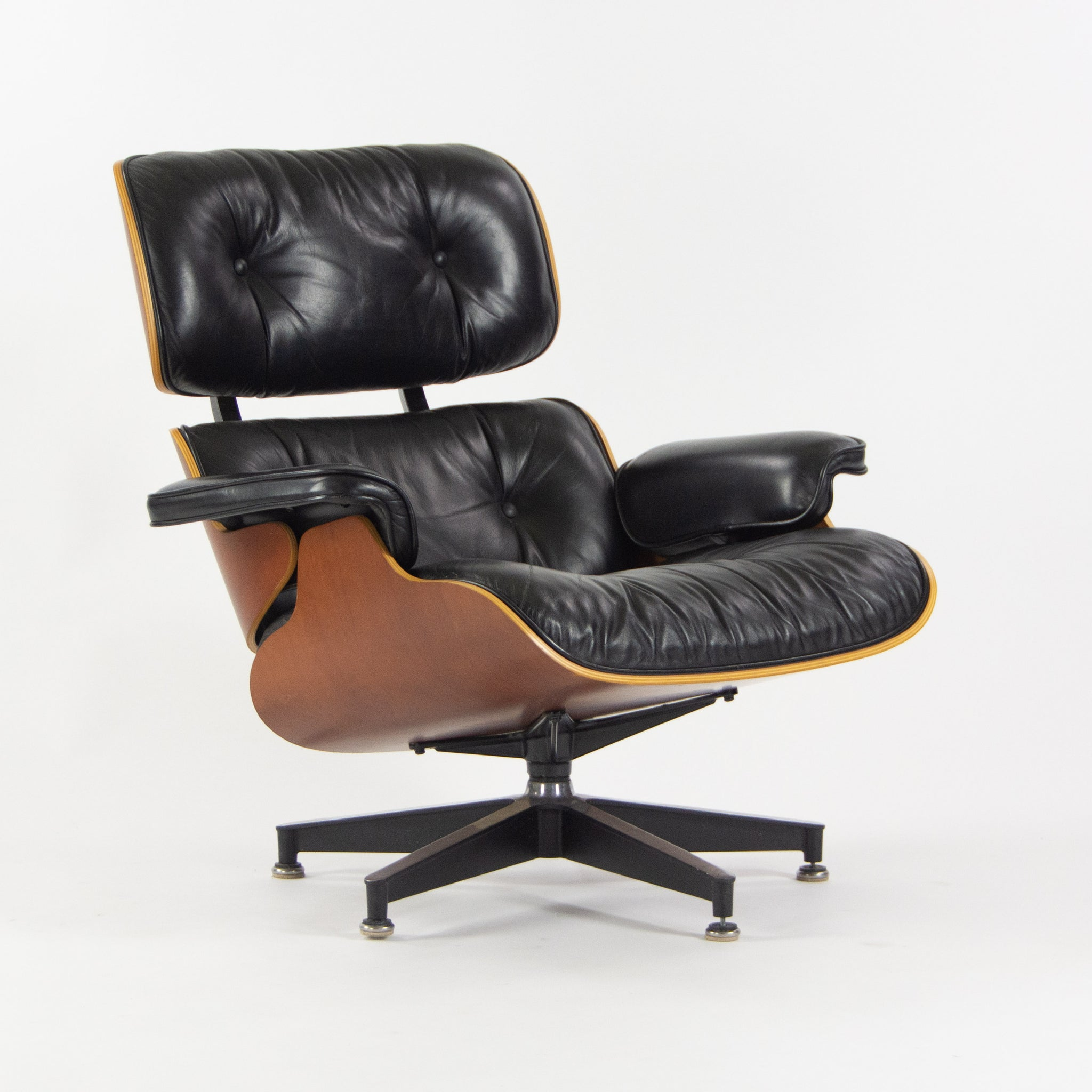 1990s Herman Miller Eames Lounge Chair and Ottoman Cherry Black Leather 670 671