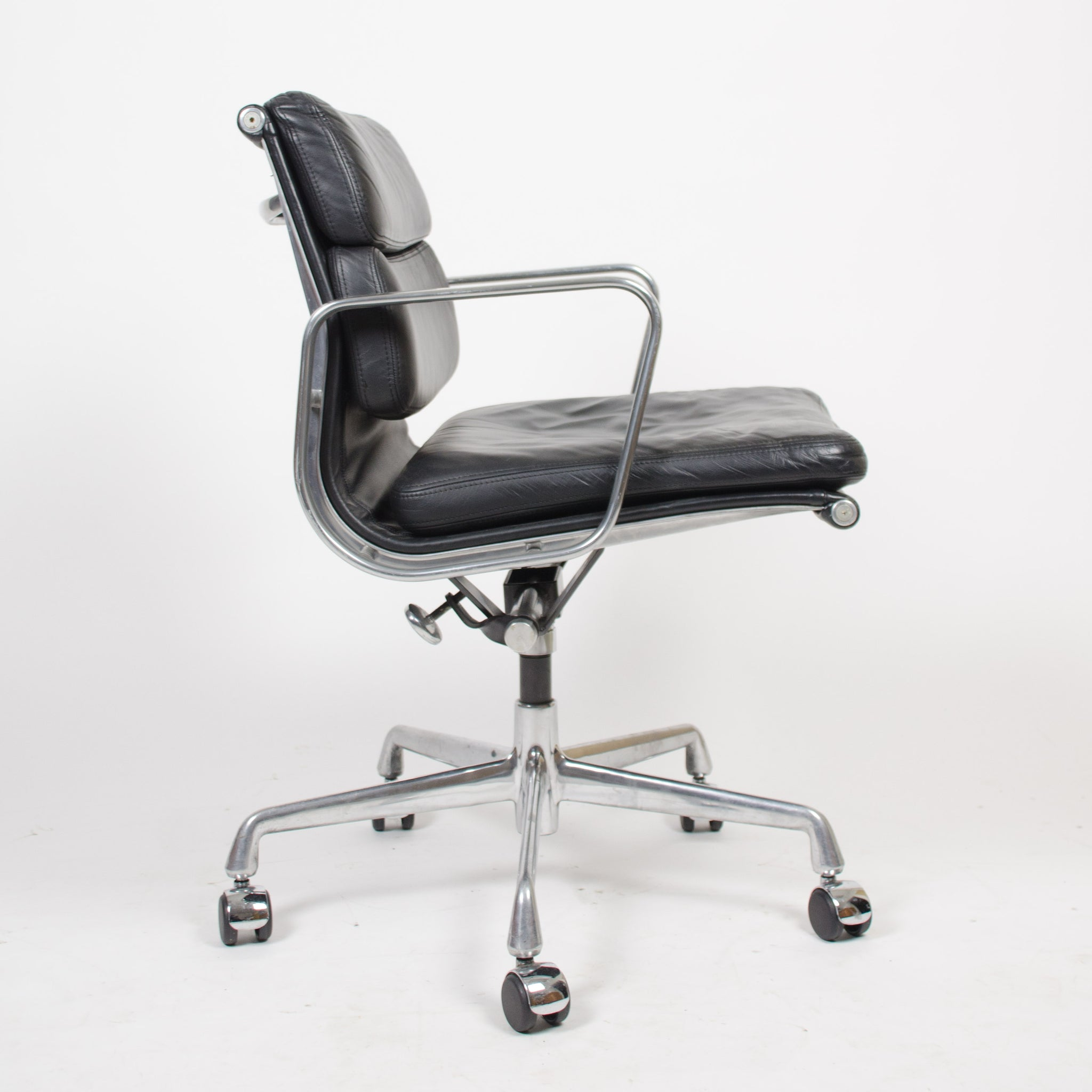 SOLD Eames Herman Miller Soft Pad Aluminum Group Chair Black Leather 22 Available