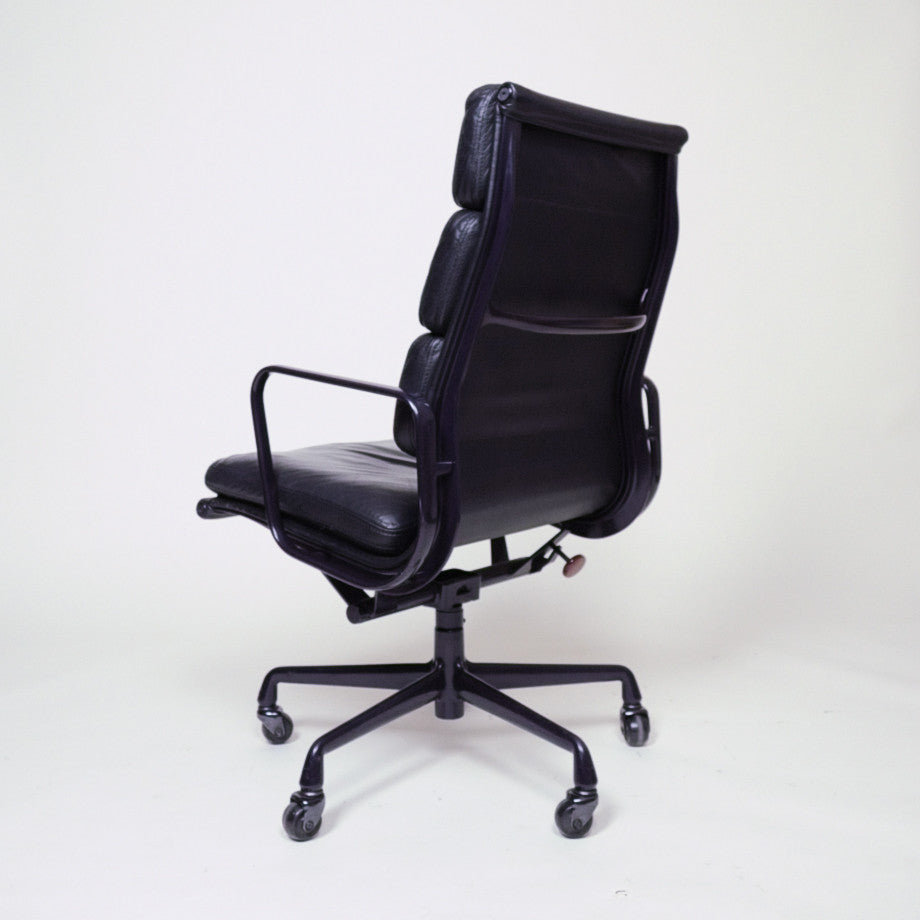 Black and Eggplant Eames Herman Miller Soft Pad High Back Aluminum Group Chairs 10 Available