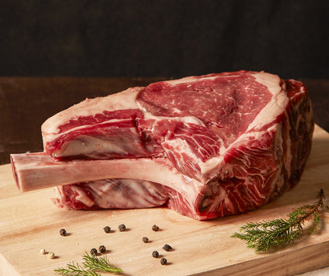 Premium Dry Aged Beef - Tomahawk. 800 - 1000g. (PCB003)