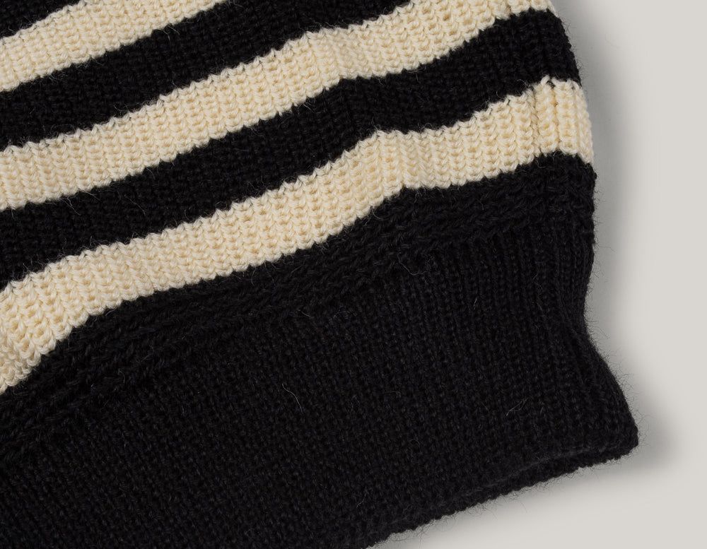 HEIMAT JAILHOUSE STRIPE SWEATER - SEA SHELL / SCHWARZ