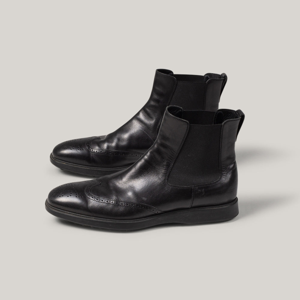 USED TOD'S CHELSEA BROGUE BOOTS - BLACK