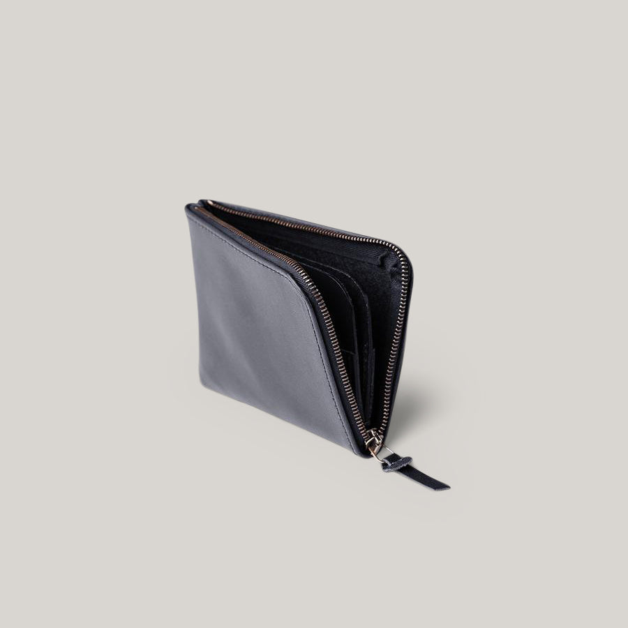 TANNER GOODS UNIVERSAL ZIP WALLET - BLACK