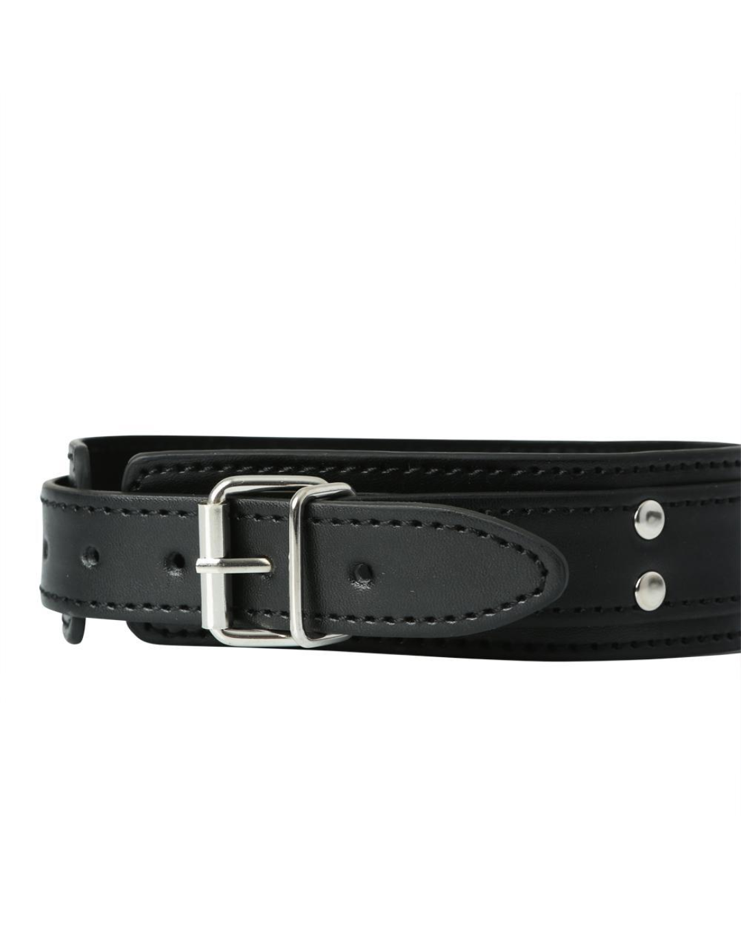 Vegan Leather Collar with Nipple Clamps by Sportsheets close up of the collar buckle