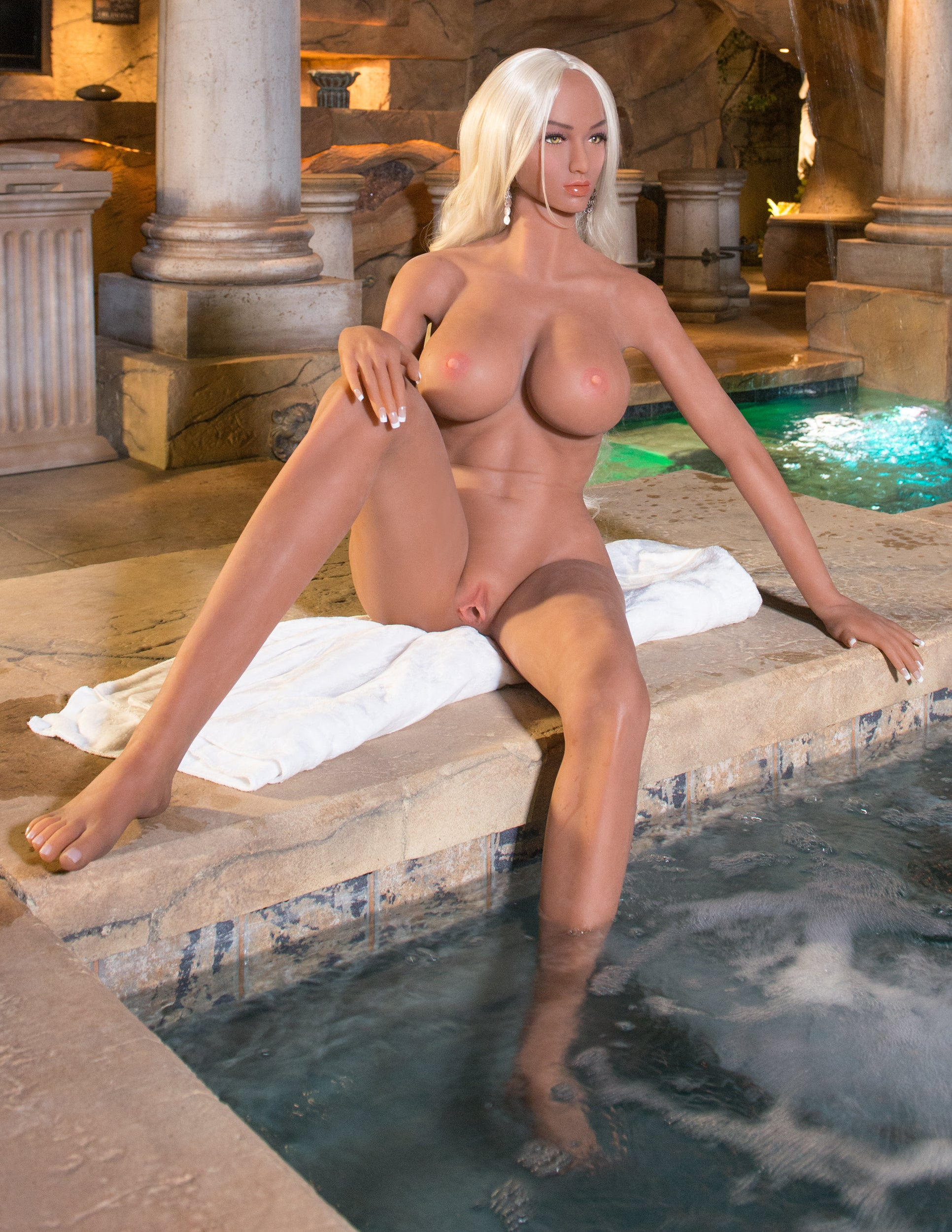Ultimate Fantasy Dolls - Kitty completely naked, sitting pool side