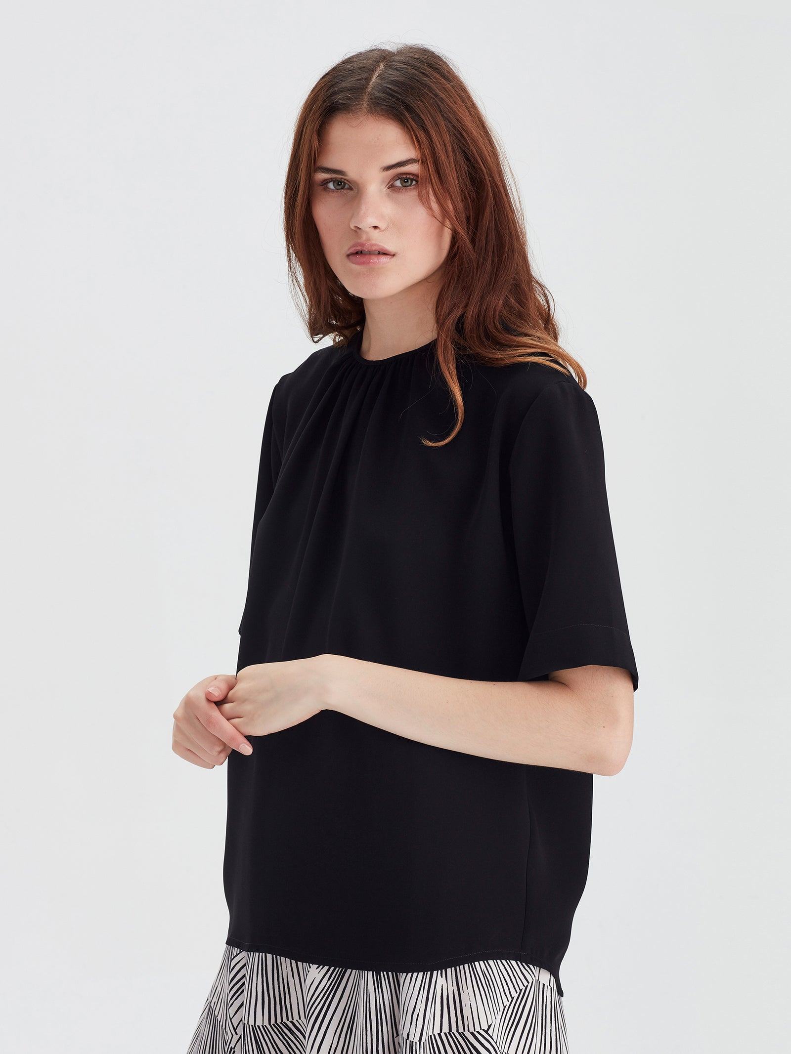 Grade T (Luxe Coloured Suiting) Black