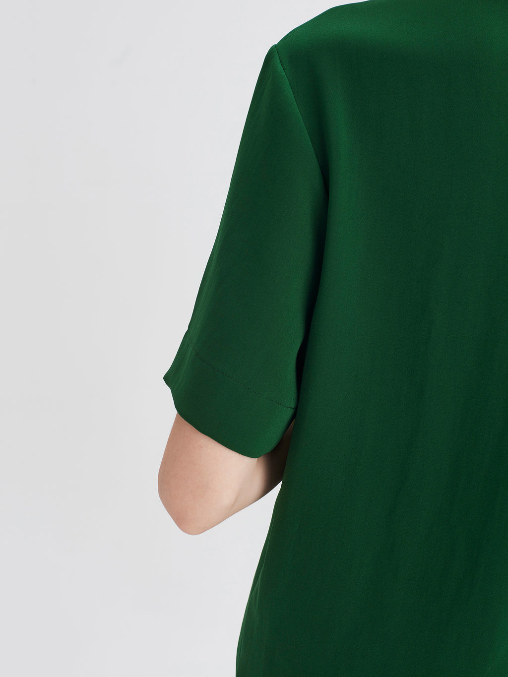 Grade T (Luxe Coloured Suiting) Emerald