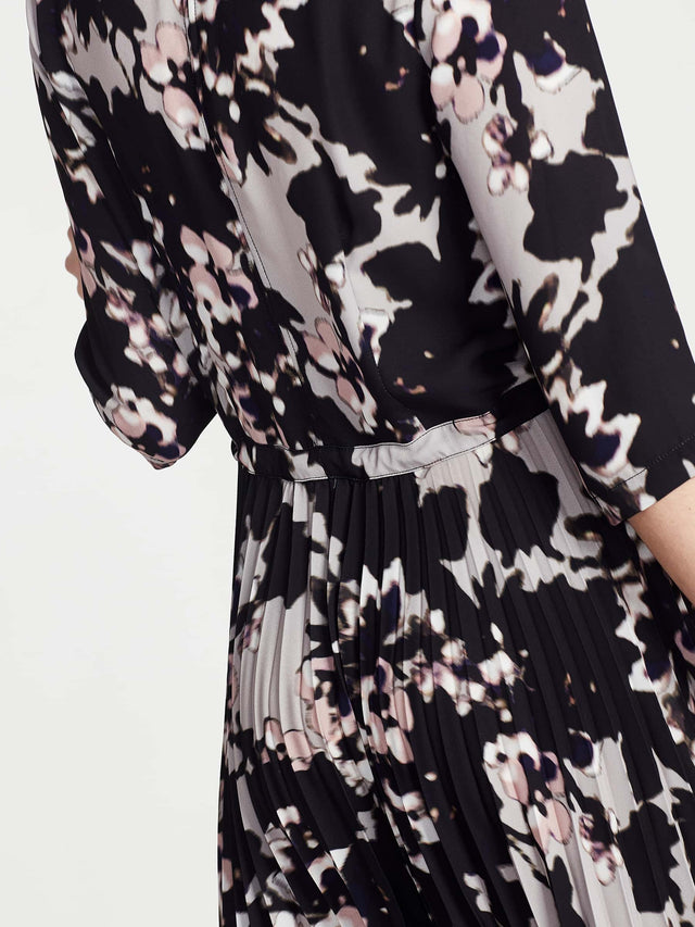 Alba Dress (Soft Focus Floral) Blur