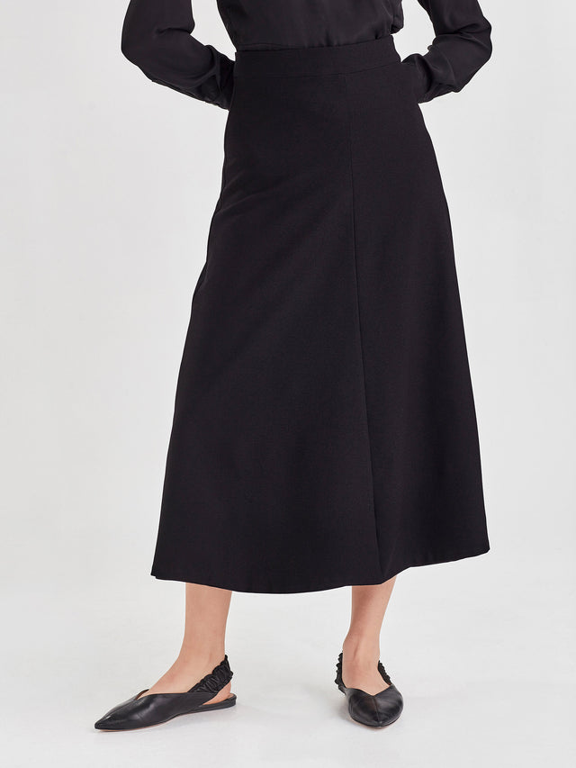 Polished Skirt (Drapey Crepe) Black