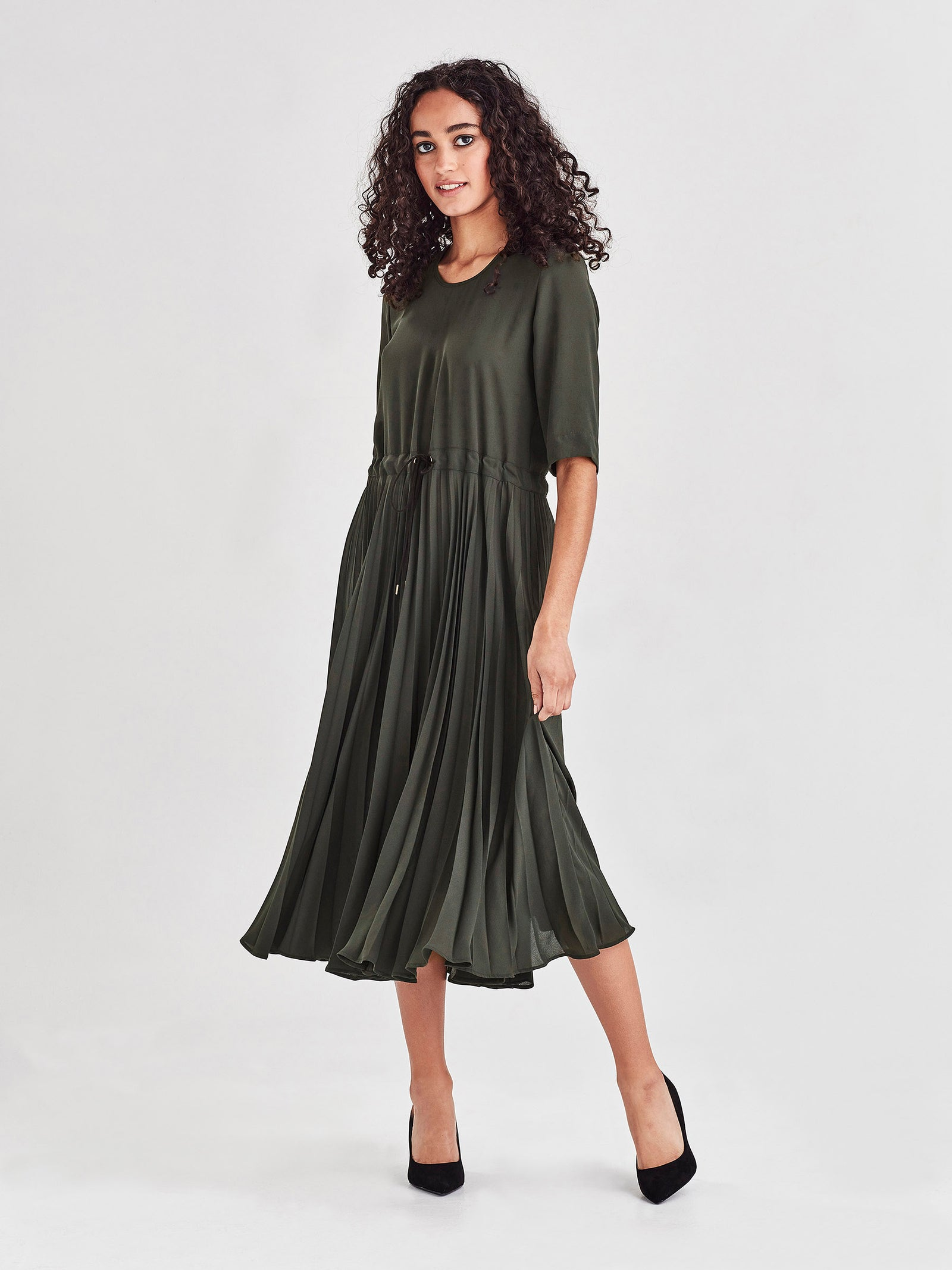 Betsy Pleat Dress (Matte Pleat) Forest