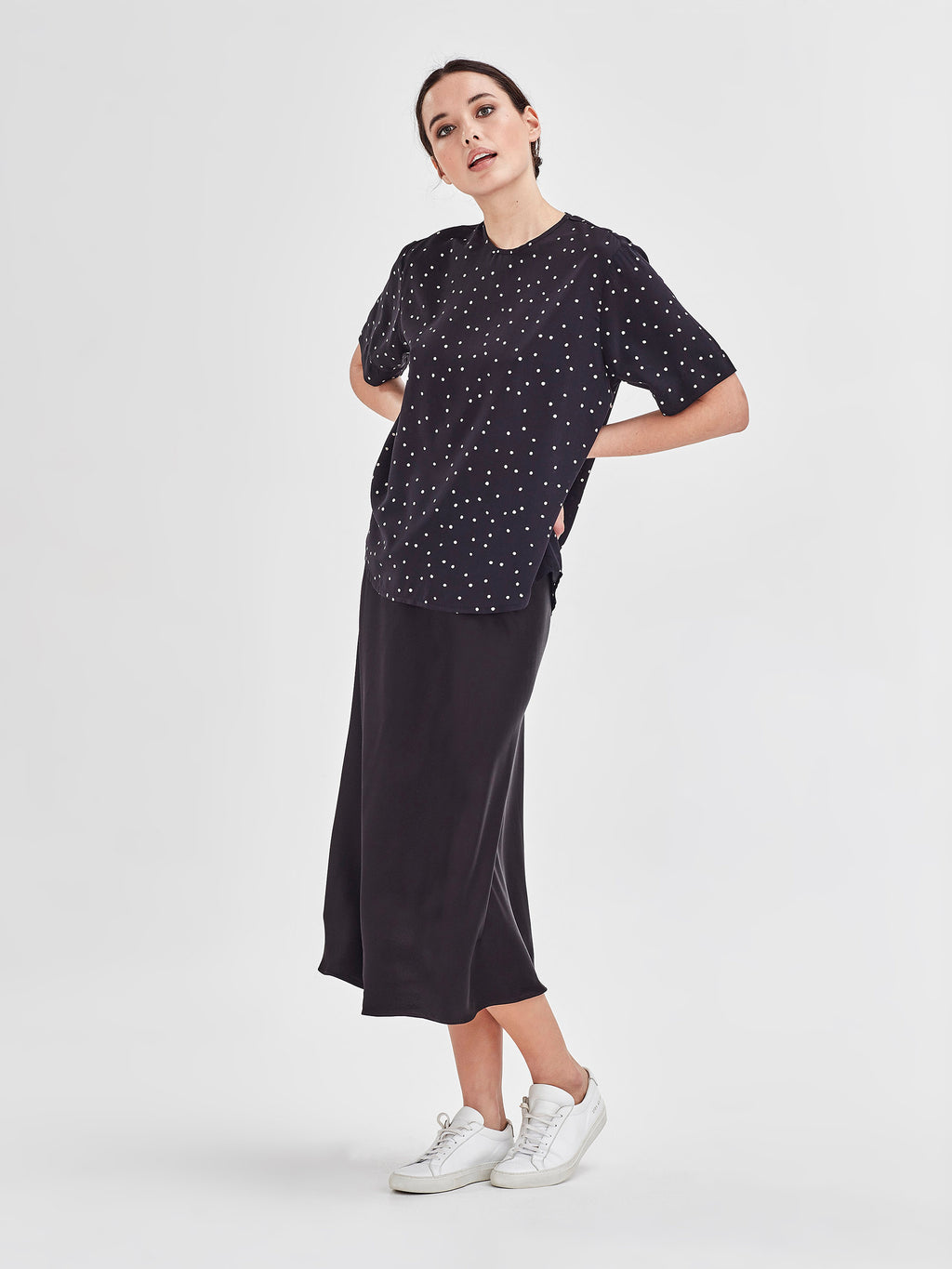 Drape T (Spotty Viscose) Black Dot