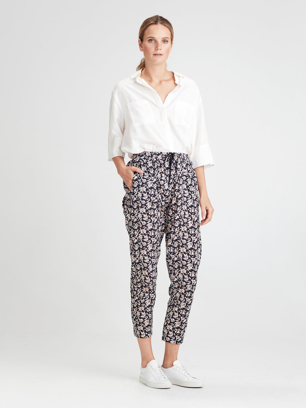 Leonard Pant (Scatter Floral Cotton) Night Rose