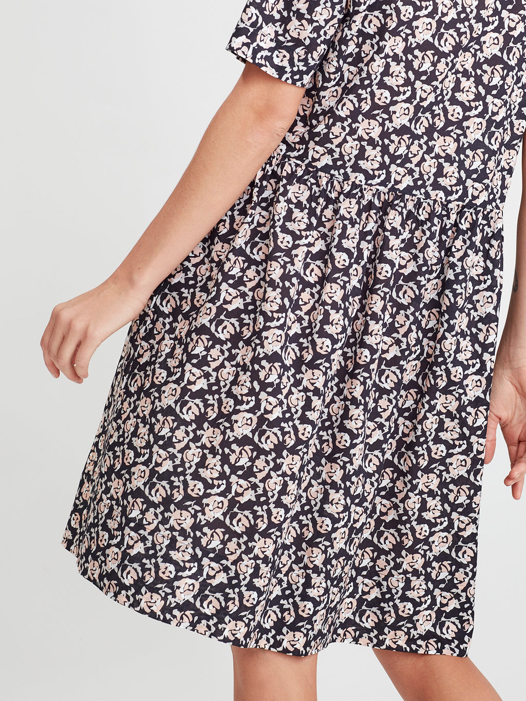 Linda Tunic (Scatter Floral Cotton) Night Rose