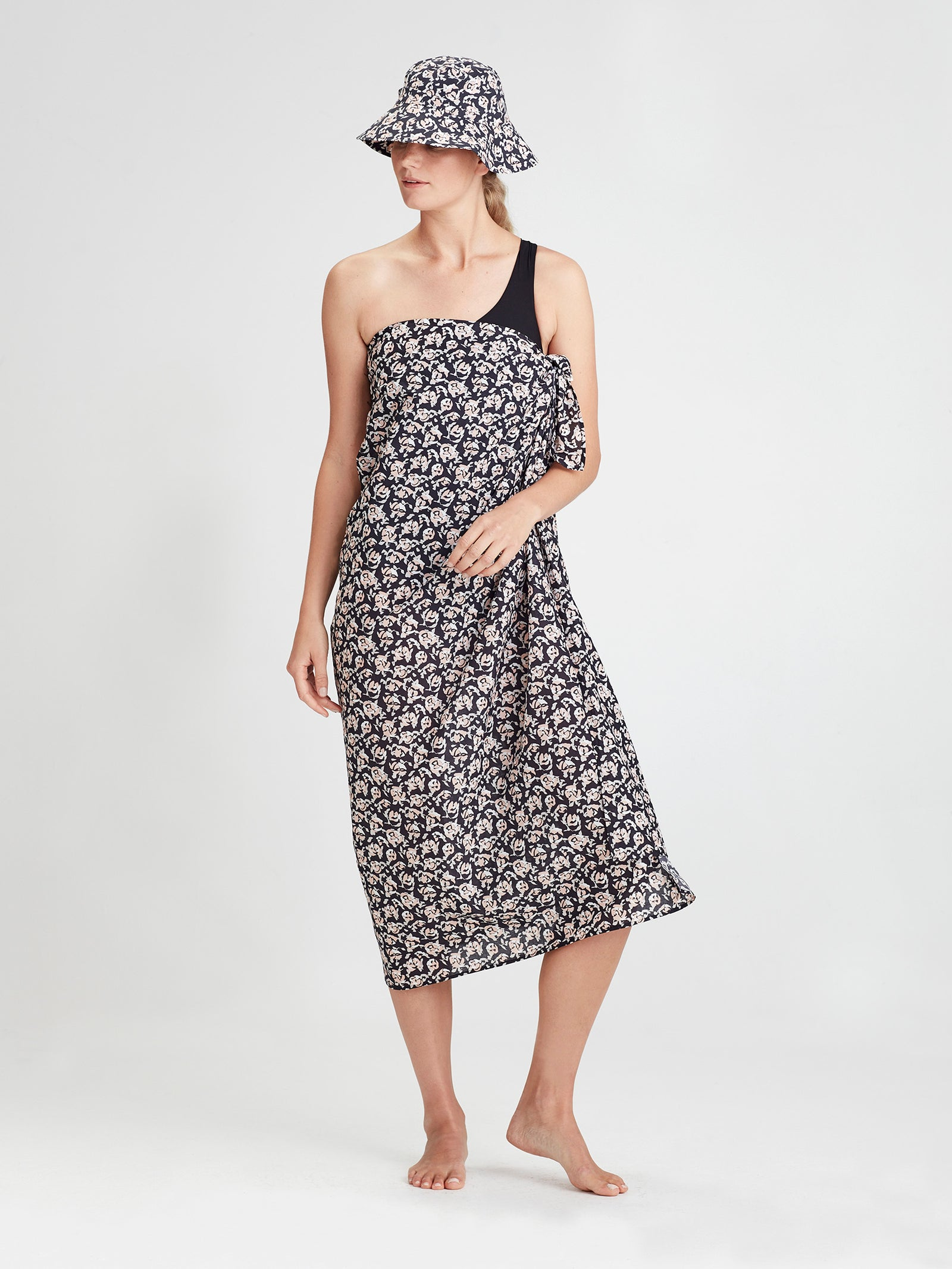 Summer Wrap (Scatter Floral Cotton) Night Rose