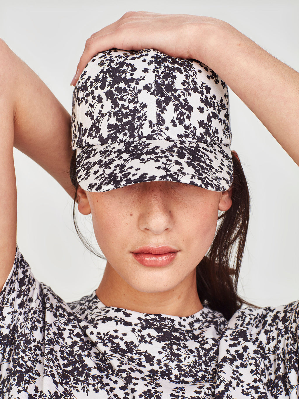 Diamond Cap (Gypsophila Cotton) Silhouette