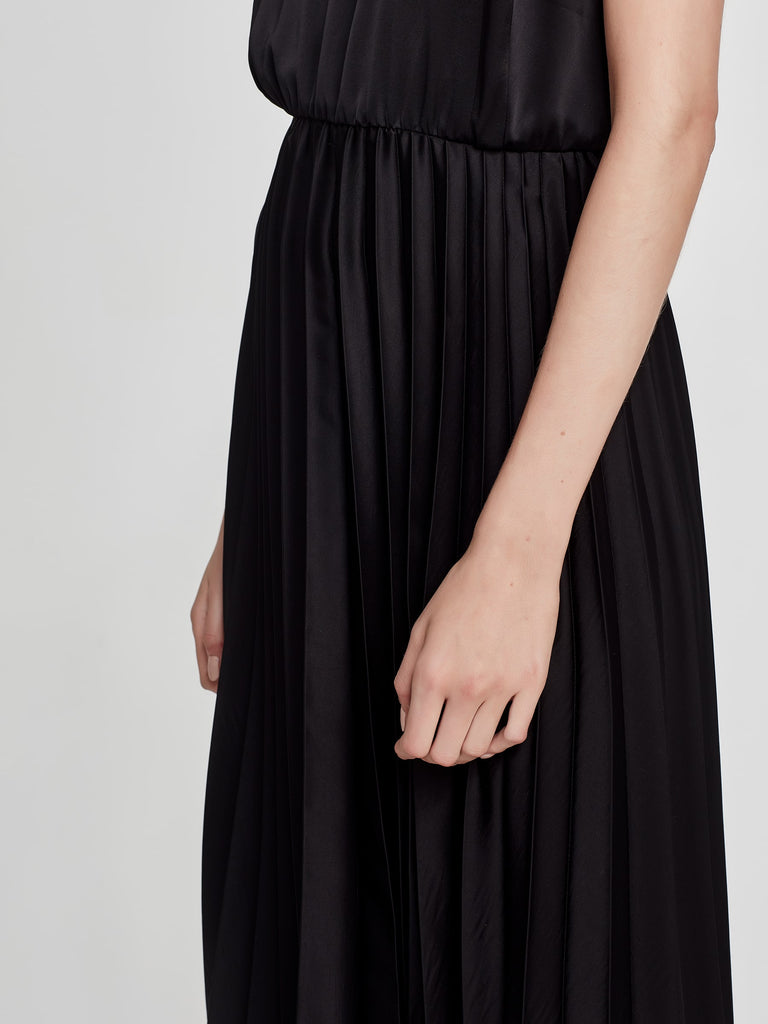 Francis Pleat Dress (Pleated Satin) Black
