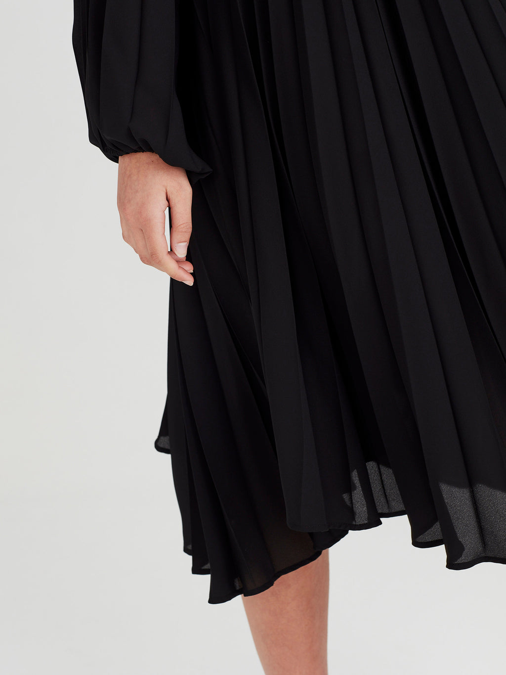 Gigi Pleat Dress (Matte Pleat) Black