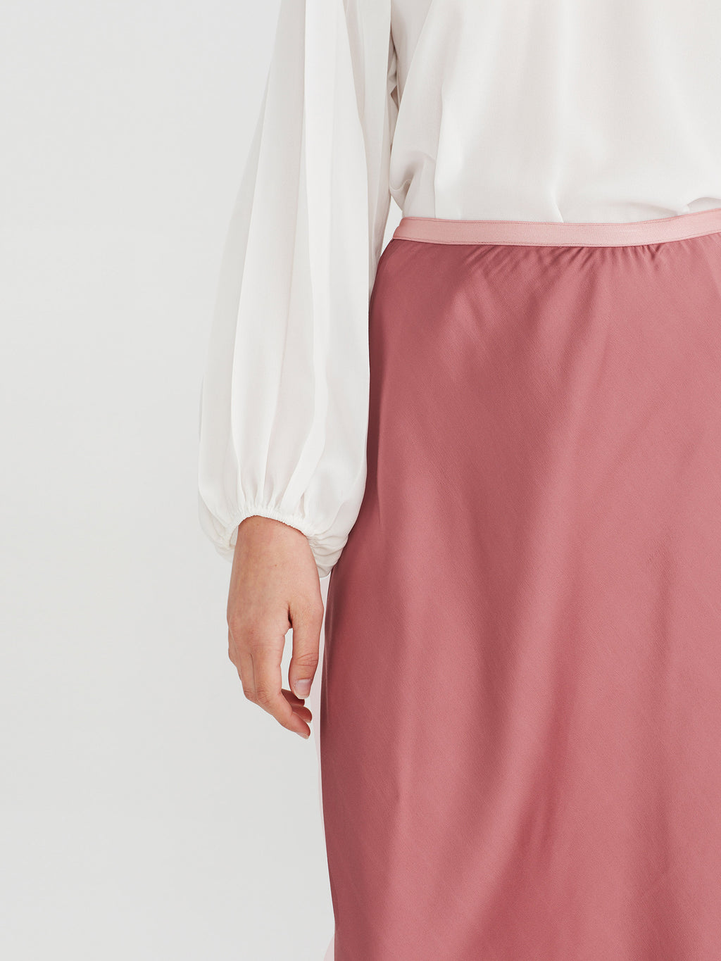 Sana Skirt (Stretch Satin) Rose