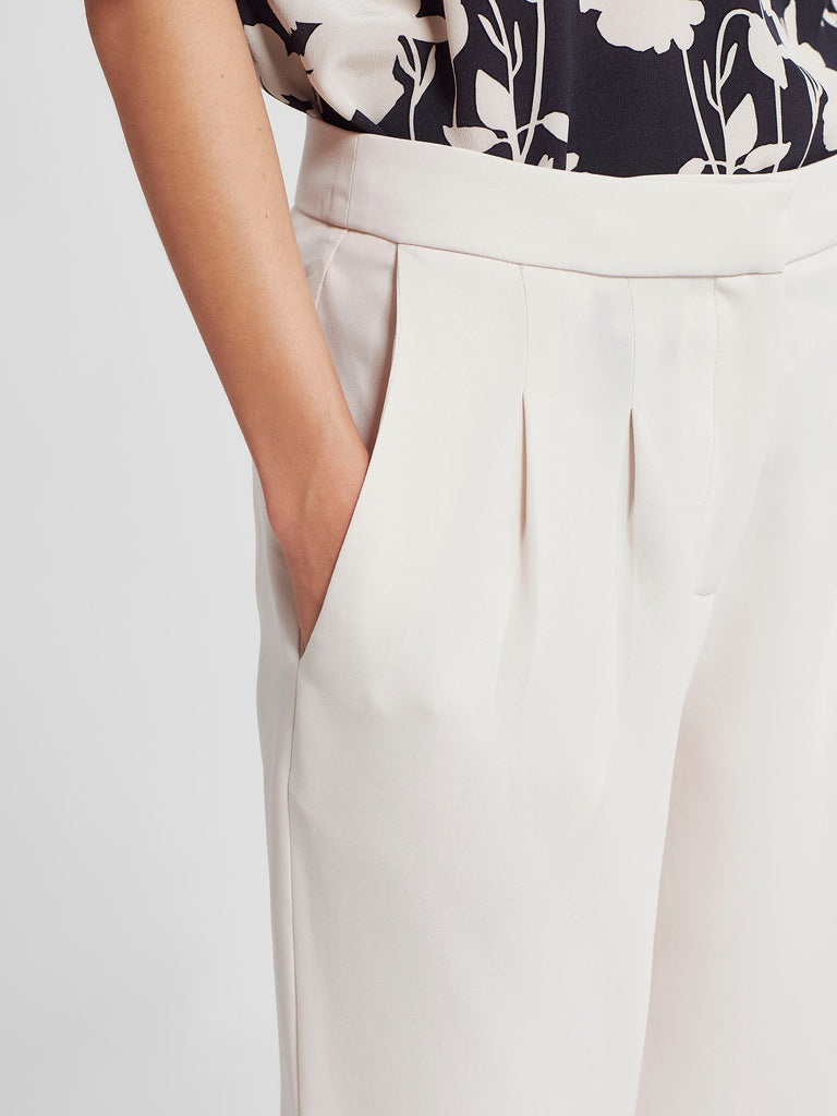 Stanley Cropped Pant (Luxe Triacetate) Cloud