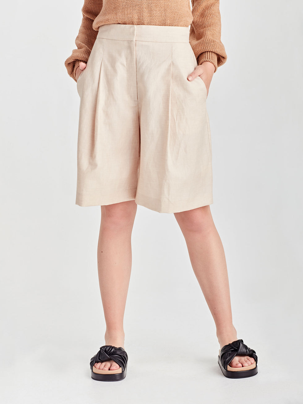 Cal Shorts With Tie (Linen Suiting) Sand
