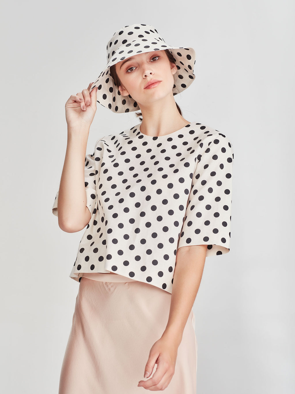 Bucket Hat (Polka Linen) Chalk/Black