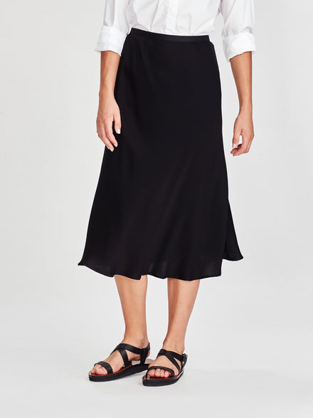 Saga Skirt (Drape Satin) Black