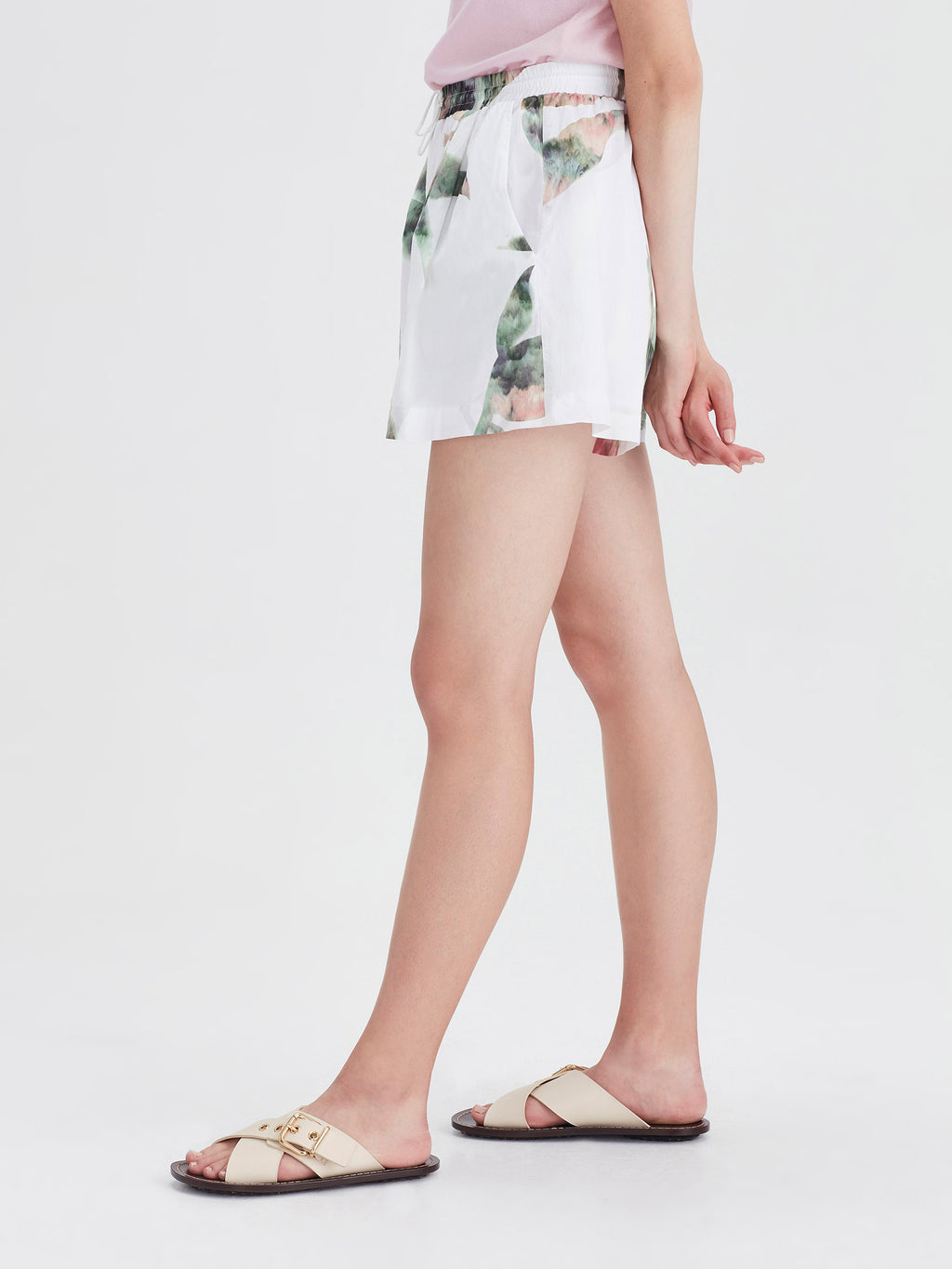 Finch Shorts (Lotus Collage Cotton) White Lotus