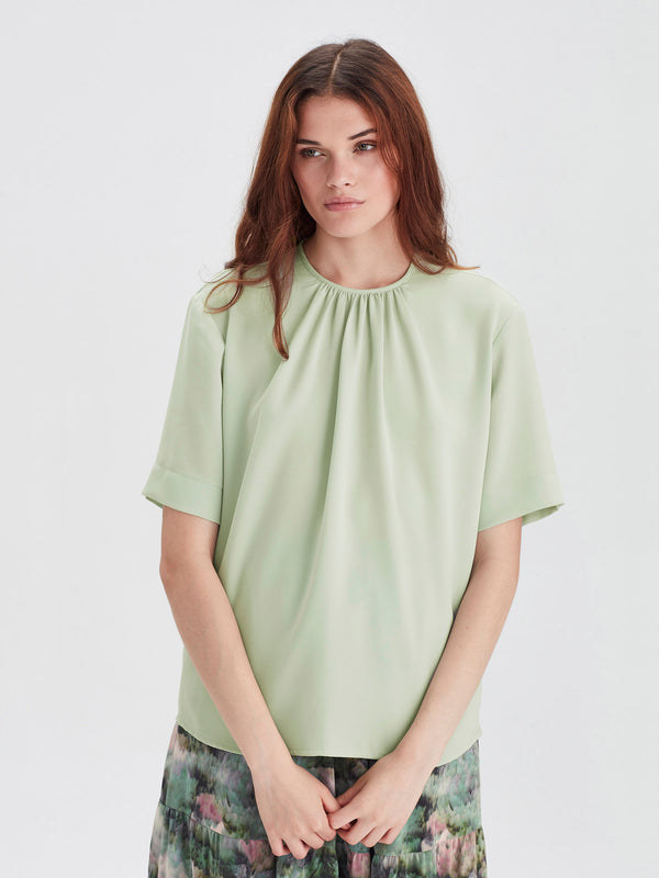 Grade T (Luxe Coloured Suiting) Mint